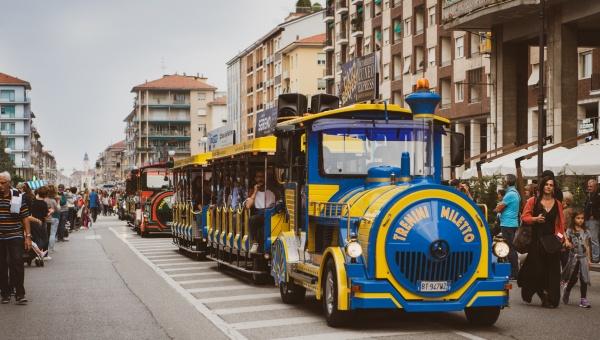 Al Paulaner Oktoberfest Alessandria si arriva gratis: trenini navetta, comodi parcheggi e area camper